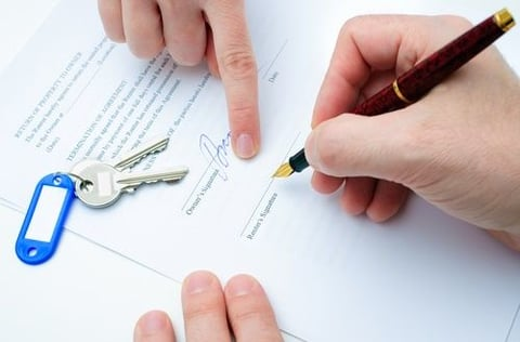 LEASE CONTRACT : The obligations of the tenant and the owner